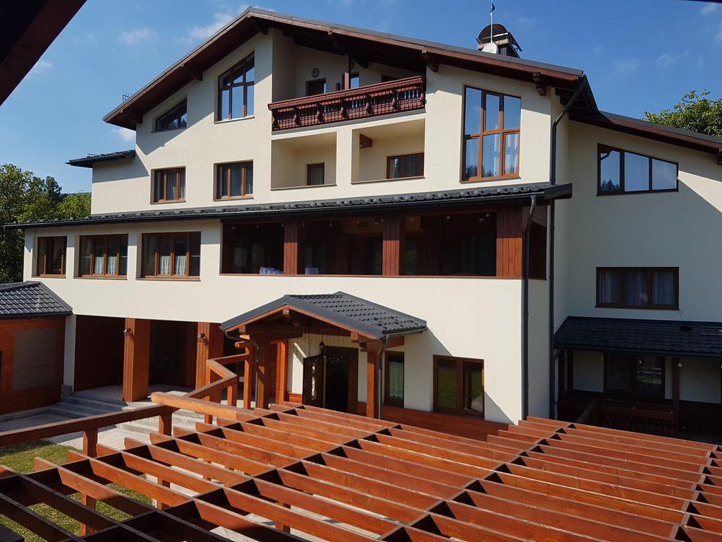 ATAVA family house
